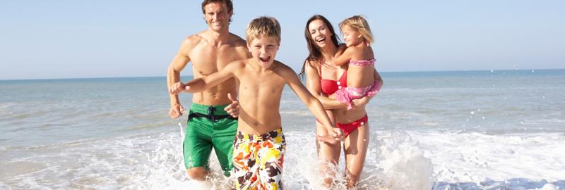 Para nenhum incidente estragar o clima do seu verão, seguem dicas para quem pretende ir à praia com crianças